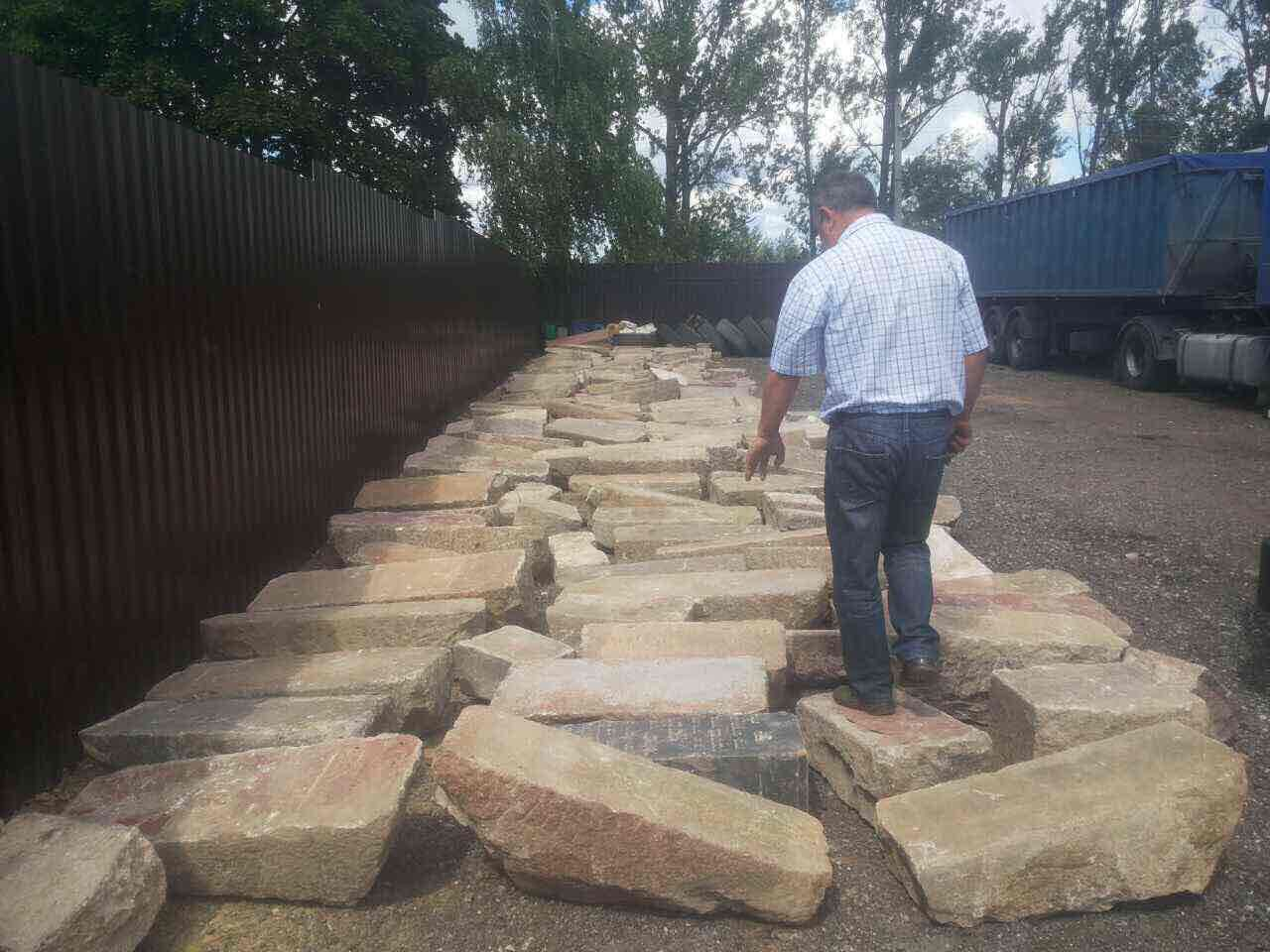 Slutsk Jewish headstones moved to safe location